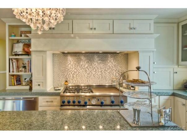 Luxury homes and Million Dollar Estates